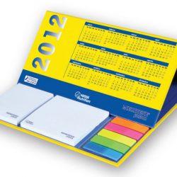 kalender-mit-haftnotizen